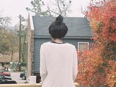 分手后失恋的人读的伤感说说 看完哭了的伤感说说