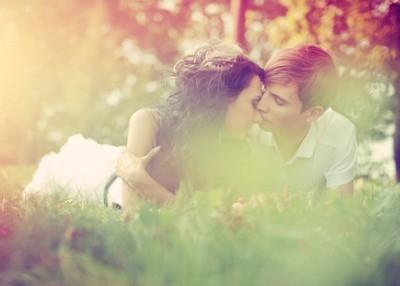 爱情说说心情短语:除了白头到老,我们无路可走