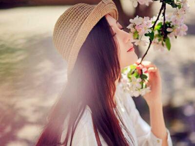 点赞最多的QQ说说:或许,笑着的人是在用最美的方式难受