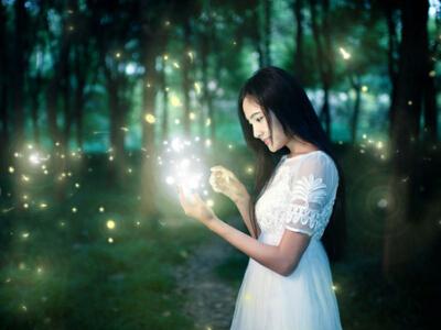 QQ空间关于爱情的说说:你的晚安就是晚安,我的晚安都是我爱你